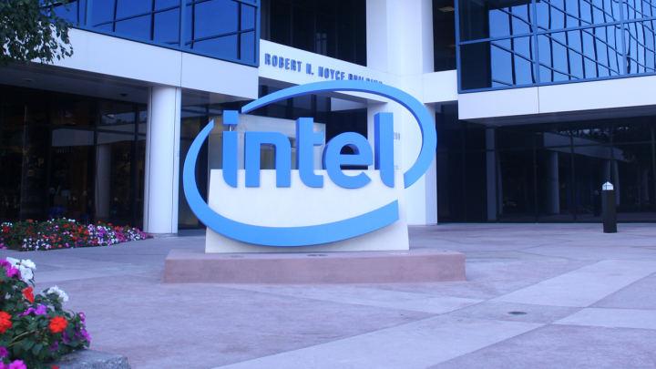 Intelは7nmを修正したと言っていますが、それでも一部の部品を外部委託します