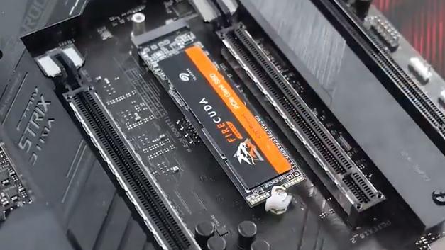 AsusはM.2 SSD用のラッチマウントシステムを作ります