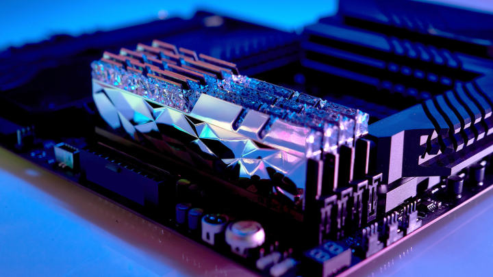G.SKILL、超低消費電力のRoyal Eliteメモリを発表