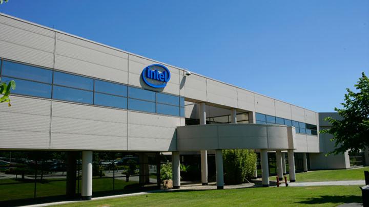 インテルがドイツのミュンヘン近郊の工場を検討中