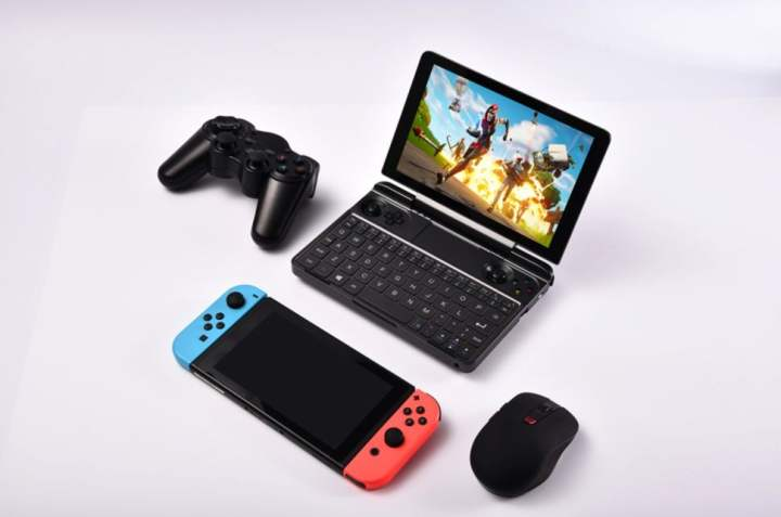 Images of the Win Max 2021 handheld.