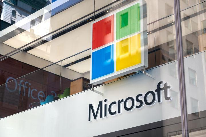 マイクロソフト、投資家の圧力に応えてデバイスの修理を容易にする