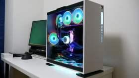 白っぽい自作PC