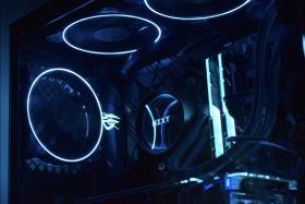 青+黒を基調としたく自作PC #1