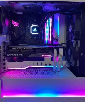 白と黒のコントラストが彩る高性能PC #6