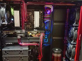 自分好みで好き勝手に作ったハードチューブ水冷PC