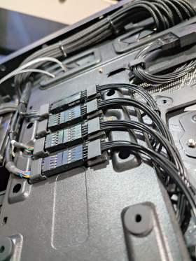 ROG Strix 控えめなRGBと最適化された冷却と裏配線 MATXケースで実現 #6