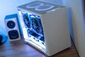 白くてコンパクトなゲーミングPC #3