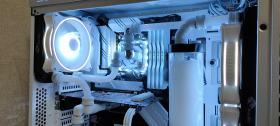 白基調にこだわった本格水冷エンコードマシン #1