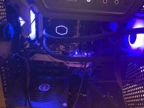 【ロマンの塊】APUとGTX 1080を積んだ汎用性バツグンゲーミングデスクトップ