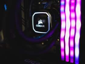 白と黒のコントラストが彩る高性能PC #2