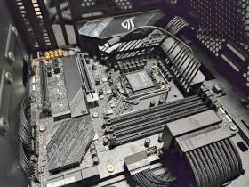 ROG Strix 控えめなRGBと最適化された冷却と裏配線 MATXケースで実現 #3